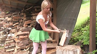 After she gets the firewood ready, Cayla Lyons masturbates respecting the discard