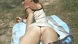 Amateur Sex - French Young Babe - Outdoor softcore - ANALDIN