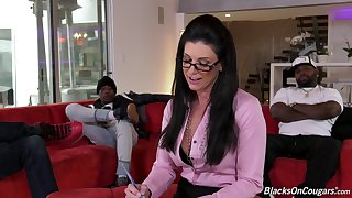 Sexy MILF shrink India Summer has a habit of fucking her clients