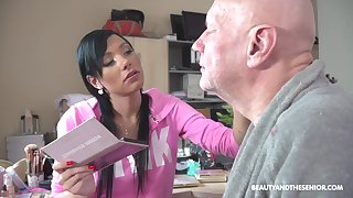 Svelte brunette in pink bathrobe Adelle Sabelle blow cock of gaffer 69