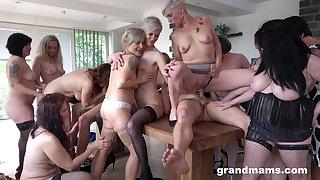 Skinny dude puts his long dick in lot of mature pussies. HD